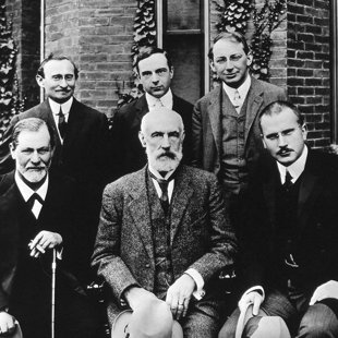 USA, Clark University, Brill, Jones, Ferenci, Freud, Holl, Jung. 1909. Image by © Bettmann